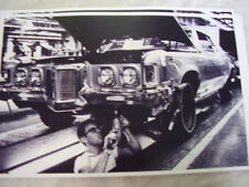 1969   PONTIAC  GRAND PRIX  ON ASSEMBLY LINE    11 X 17  PHOTO  PICTURE