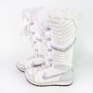 Nike Apres Sky High Tail Puffer Snow Boots White 414950-100 Womens Size US 6.5