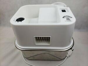 MAGIC MILL PlUS MODEL 100 Flour Grain Mill GRINDER White