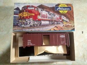Athearn  5946 box car  ILLINOIS TERMINAL, NEW KIT #6417