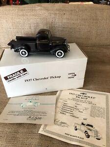 Danbury Mint 1937 Chevrolet Pickup Truck 1/24 - w/ Box/Certificates