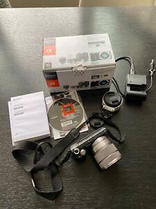 SONY NEX-5N Kit E 18-55 mm f3.5-5.6 OSS/ E16mm F2.8