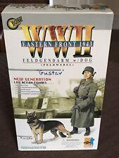 2000 DRAGON FIGURE German WWII Eastern Front 1943 Feldgendarm GUSTAV with DOG