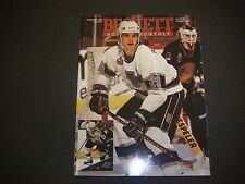 Beckett Hockey Monthly Magazine November 1993 Luc Robitaille Kevin Stevens M2180