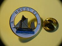 PIN'S Brest 92 Britain Boat N.D Of Rumengol Credit Agricultural