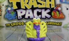 Moose Toys - Trash Pack Trashies Series 5 - Yellow Dead Spider #760 - Common