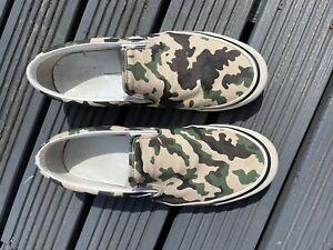 Vans Classic Slip On In OG Camo Suede UK 11