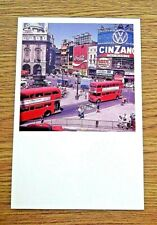 LONDON TRANSPORT POSTCARD~ BUSES USING BUS LANES AT PICCADILLY CIRCUS PHOTO,1972