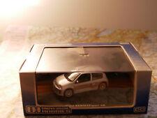 UNIVERSAL HOBBIES RENAULT SPORT CLIO V6  NEW