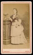 CDV c. 1880 - Femme Robe Châle Ph. Vivot à Amiens - 1061