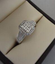 SPARKLING IKS 10K WHITE GOLD .30 TCW PRINCESS DIAMOND PAVE HALO RING - 3.5 GRAMS