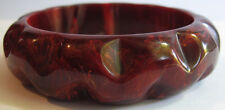 VINTAGE CHUNKY CARVED MARBLED BURGUNDY RED BAKELITE BANGLE BRACELET
