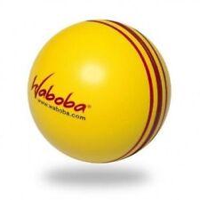 Jeux et activités de plein air à balles avec piscines gonflables