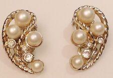 boucles d'oreille clips vintage couleur argent cristal diamant perle signé 639