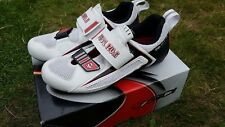 Pearl Izumi Triathlon bike Tri Fly III shoes. Size EU 43, White.