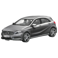 Mercedes-Benz 1:18 Coche a Escala Clase a W176 1:18 Mountaingrau