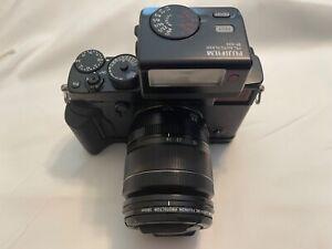 Fujifilm Fuji X-Pro 2 Digital Camera With Lens, Flash + Bonus