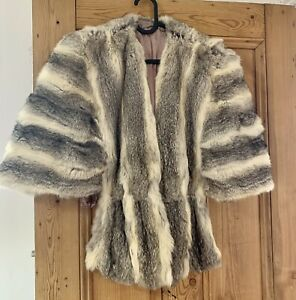 Gorgeous Vintage White And Grey Fox Fur Cape