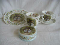 """RARE - Royal Doulton, Brambly Hedge - """"The Engagement"""" 5 pieces collection"""