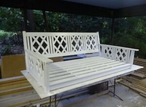 """SFK FURNITURE 85"""" Chippendale swingbed"""