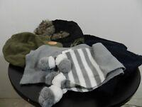 lot 4 bonnets cagoules 1 écharpe taille 1-4 ans spiderman Kiabi  tbe (B13)