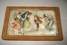 Seidenmalerei um 1900 Leder Tasche Ballspende Höfische Szene Anschauen !!!