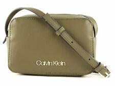 Calvin Klein CK Must PSP20 Camera Bag NY Umhängetasche Tasche Dark Olive Grün