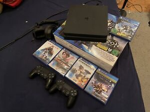 Sony PlayStation 4 Slim 1TB/2 Controller/ Zubehörpaket