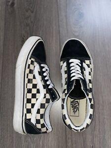 Checkered VANS size 5.5