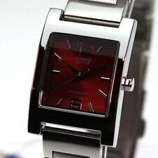 Analoge rechteckige Casio Armbanduhren für Damen