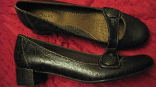 Clarks Artisan brown ladies loafers womens 7.5 M foot strap low heel NWOB
