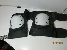 Harbinger Strap-On Knee Pad With Polyethylene Cap Medium 332K