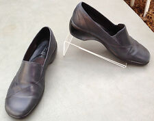 Clark's Womens Shoes Loafers Sz 7.5 M Slip On