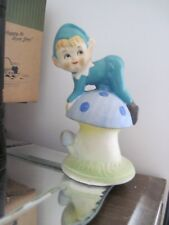 VINTAGE CHRISTMAS CERAMIC ELF PIXIE KNEELING ON MUSHROOM FIGURINE