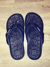Cushe Manuka Spindrift Black / Gum Flip Flops Sandals Size 7