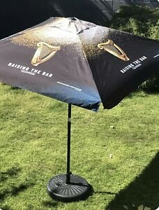 Guinness Large Pub Garden Parasol with base. Brand New In Box RRP: £94.99