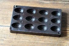 Moule à chocolat ancien oeuf bakélite