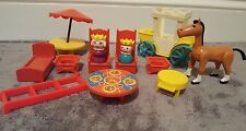 Lot Of Vintage Fisher Price Little People For Castle Queen Horse Beds Carriage