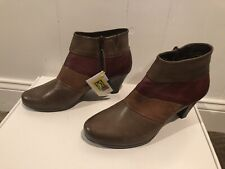New With Tags! Spring Step Boots Sz 42 Generate Bootie Leather Stack Heel Taupe