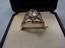 585er Rot Goldring m Zirkonia Ringgroße 52,5  Gewicht 3,00 Gramm