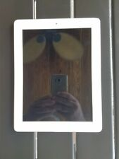Apple iPad 2 16GIG White Model A1395 Great Condition!