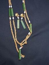 VINTAGE 40'S GOLD TONE & GREEN BAKELITE NECKLACE & CLIP DANGLE EARRINGS FREIRICH