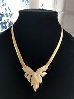 Queen Isabella 1940s Cream /& Black Metal Vintage Necklace
