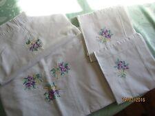 Drap brodé : Parure de lit drap et taies 4 pièces brodée violettes (LL01)