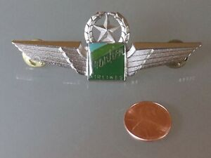 1995 Frontier Airlines Logo Pilot Wings Pin/Badge