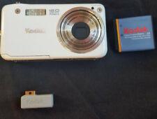 Kodak EasyShare V1253 White, Digital Camera Excellent Condition w/ Accessories