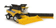 1/64 ERTL NEW HOLLAND CR8.90 COMBINE