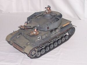 Ultimate Soldier 1/18 WWII German Panzer Tank w/3 Man Crew