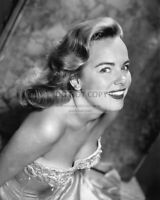 ACTRESS TERRY MOORE - 8X10 PUBLICITY PHOTO (OP-891)