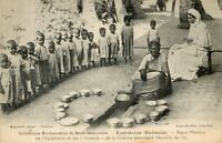 """Indien - CPA - Kumbakonam - Schwester Marthe und die """" Großen """" der Krippe"""